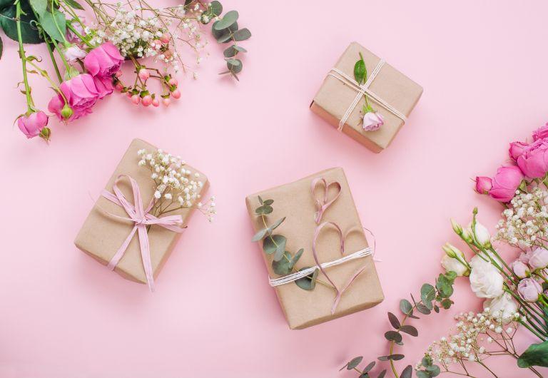 Best Wedding Gifts That Speak Your Heart - sendgifts